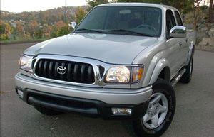 Clean CarFax 2004 T0Y0TA Tacoma 4WDWheelsst New truck for Sale in Columbia, SC