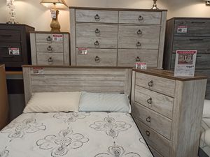 4 PC Bedroom Set (Queen Bed, Dresser Mirror and Nightstand), Whitewash for Sale in Santa Fe Springs, CA