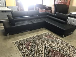 Sectional in black $699 for Sale in Hialeah, FL