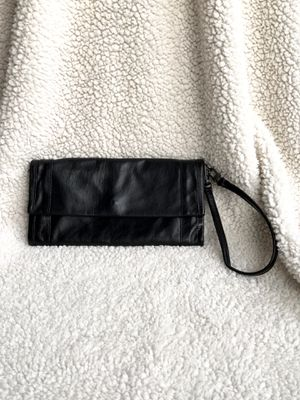 Kenneth Cole black soft leather convertible wallet for Sale in Los Angeles, CA
