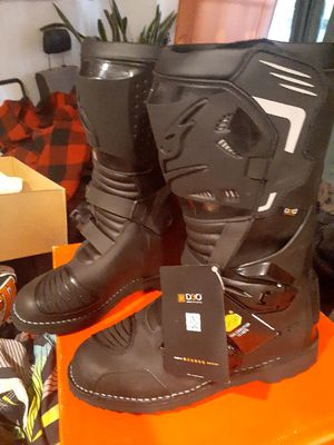 Falco motorcycle boots for Sale in Salt Lake City, UT