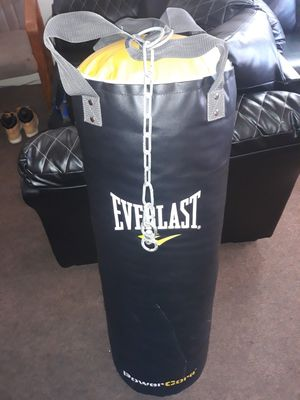 Everlast Punching Bag/ Boxing Bag for Sale in Fort Wayne, IN