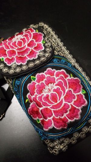 Embrioded Mexican Wallet Pink2 for Sale in Fresno, CA