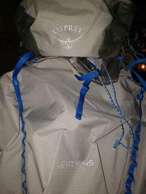 Osprey Levity 45 L Internal Frame Backpack M medium Parallax Silver Retail $250 45L for Sale in Avondale, AZ