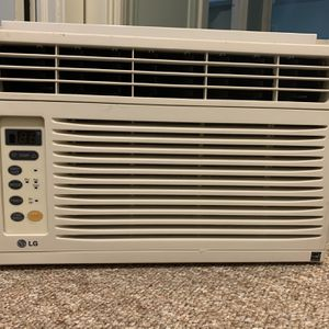 LG 6000 BTU Air conditioner for Sale in Lancaster, PA
