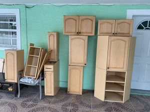Kitchen cabinets 8 wall 2 base for Sale in Tampa, FL