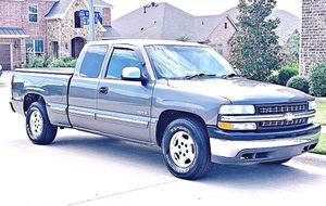 ֆ12OO 4WD CHEVY SILVERADO 4WD for Sale in Norwalk, CT