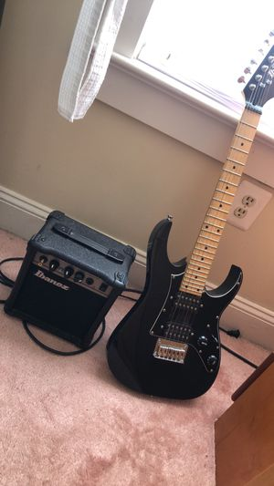 Guitar w/ speaker for Sale in MONTGOMRY VLG, MD