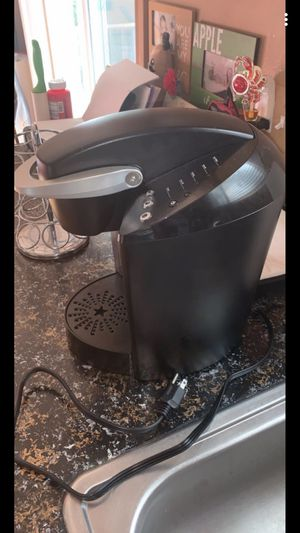 Keurig coffee maker and coffee pod holder for Sale in Shelby Charter Township, MI