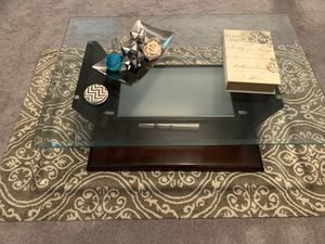 Very Nice Coffee Table Set for Sale in Lawrenceville, GA