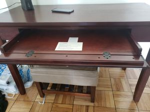 Entry table for Sale in Los Angeles, CA