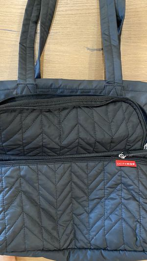 Skip Hop diaper bag w change mat for Sale in Los Angeles, CA