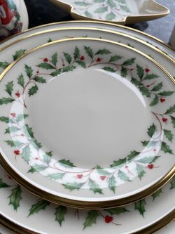 Individual Salad Plate (Lenox Christmas Pattern - Have 14 Total) for Sale in Seattle,  WA