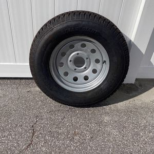 Utility Trailer Tire 225/75/15 for Sale in Kissimmee, FL