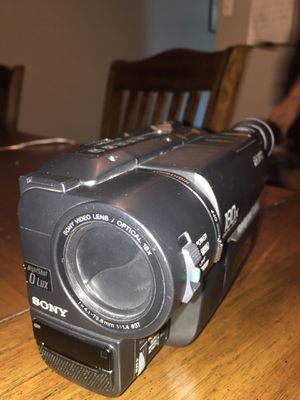 Sony handy cam vision hi8 video camera for Sale in Dallas, TX