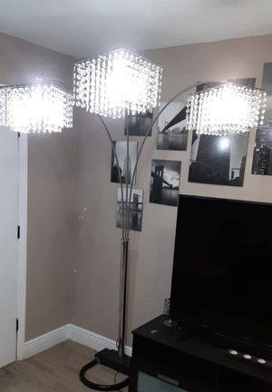 Floor Lamp for Sale in Ocoee, FL