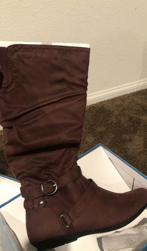 NEW Cliffs by White Mountain Fairfield Burgundy Women Boots 9.5 for Sale in Ontario, CA