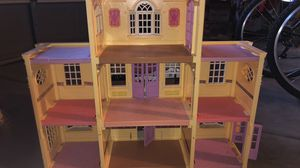 Fisher-Price Loving Family Doll House for Sale in Elk Grove, CA