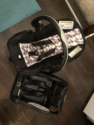 Infant car seat for Sale in Goodlettsville, TN