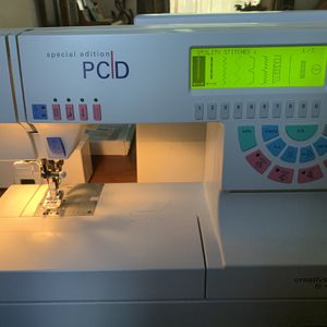 Pfaff Creative 7570 Sewing Machine w/ Embroidery Arm Hoops and Case for Sale in Hollywood, FL