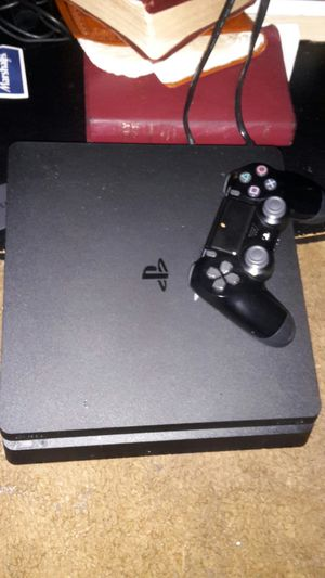 Ps4 slim console with controller like new for Sale in Auburndale, FL