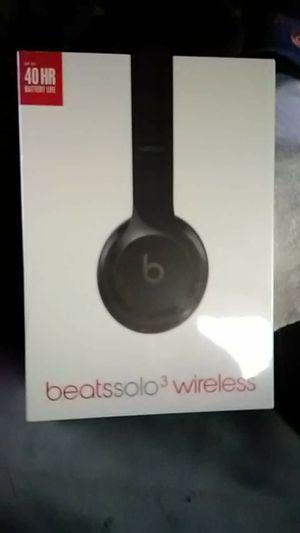 Beats solo 3 wireless headphones for Sale in Peoria, AZ