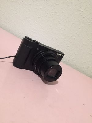 Sony camera like New comes with case The camera works great for Sale in Riverside, CA
