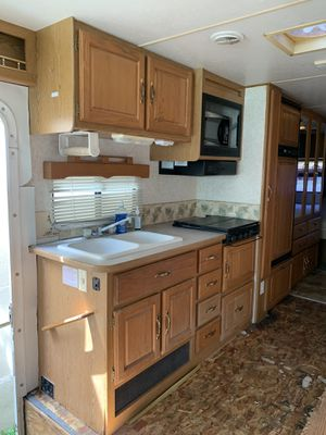 RV/MH 1999 FORD 35FEET Runs and Drives Needs work **has leak** 77k miles for Sale in Miami, FL