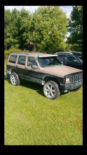 99 jeep cherokee xj for Sale in Okeechobee, FL