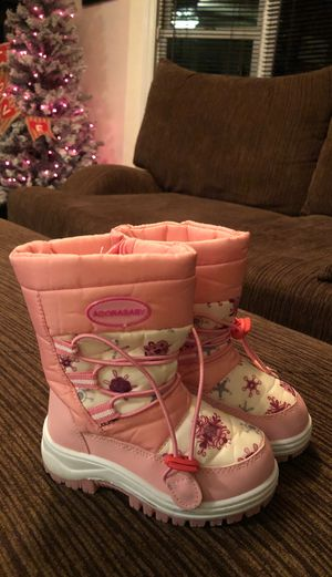Girl kids snow boots for Sale in Tacoma, WA