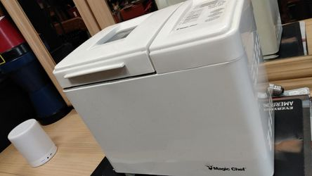 Magic chef bread maker for Sale in Clearwater,  FL