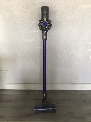 Dyson V6 animal cordless vacuum for Sale in Los Angeles, CA