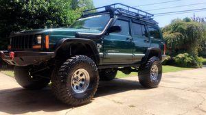 01 Jeep Cherokee xj for Sale in Chesapeake, VA