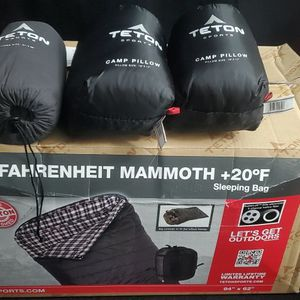 New Teton Fahrenheit mammoth sleeping bag with bag lines and 2 pillows for Sale in Phoenix, AZ