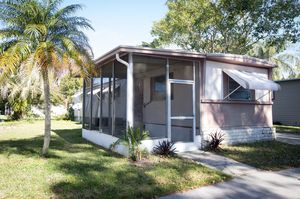 Renovated Mobile home Palm Harbor Family Park for Sale in Dunedin, FL