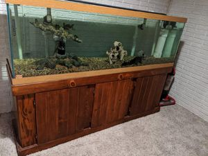 125 g fish tank for Sale in Cedar Rapids, IA
