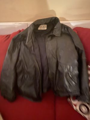 The men's store leather jacket size XL for Sale in Weldon Spring, MO