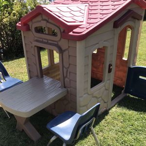 Kids Playhouse And Play Table for Sale in Pomona, CA