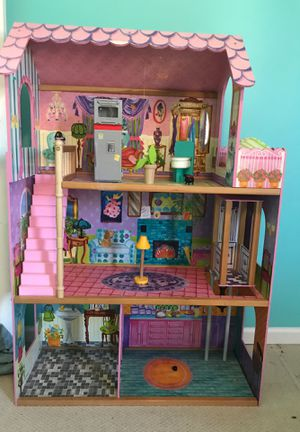 Doll house for Sale in Palatine, IL