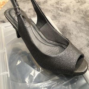 Lifestride soft system- Sling back Strap with Peep Toe Size 7.5 for Sale in La Puente, CA