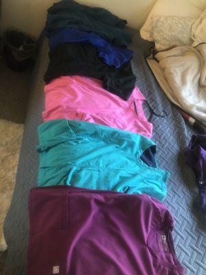 6 good brand scrub shirts M-L for Sale in Peoria, AZ