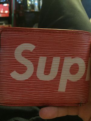 Supreme Louis Vuitton wallet for Sale in Vancouver, WA