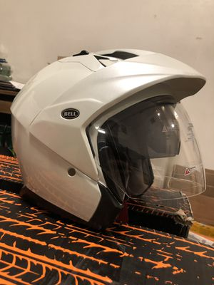 Bell Mag-9 Open Face Motorcycle Helmet (solid white gloss pearl - Medium) for Sale in Garden Grove, CA