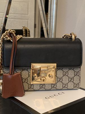 GUCCI PADLOCK SMALL GG 100% AUTHENTIC for Sale in Bothell, WA