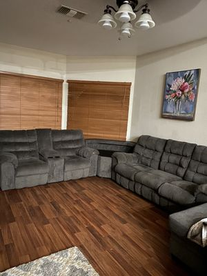 Grey Recliner Couch for Sale in Palm Springs, CA
