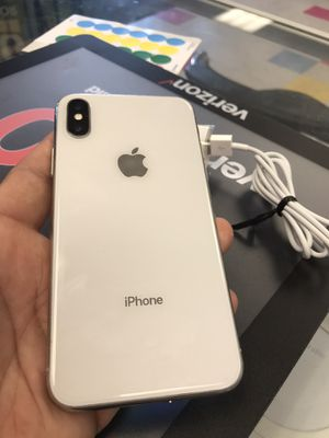 iPhone X 64gb Unlocked for Sale in Somerville, MA