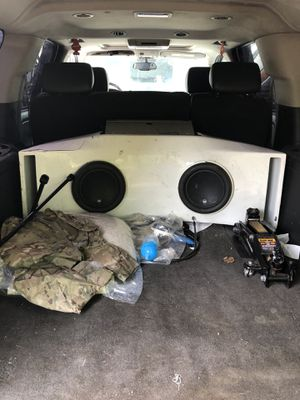 "JL W7 10"" speakers and box for Sale in Frederick, MD"