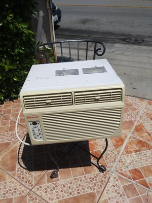 Aire acondicionado 6,000 btu for Sale in El Monte, CA