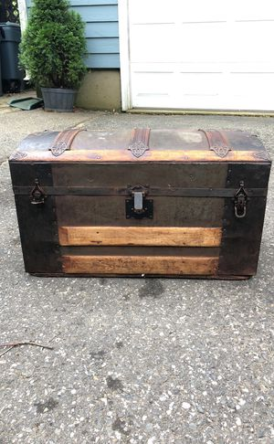Beautiful antique chest for Sale in Freehold, NJ