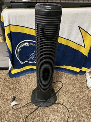Oscillating 3 speed tower fan for Sale in Fontana, CA